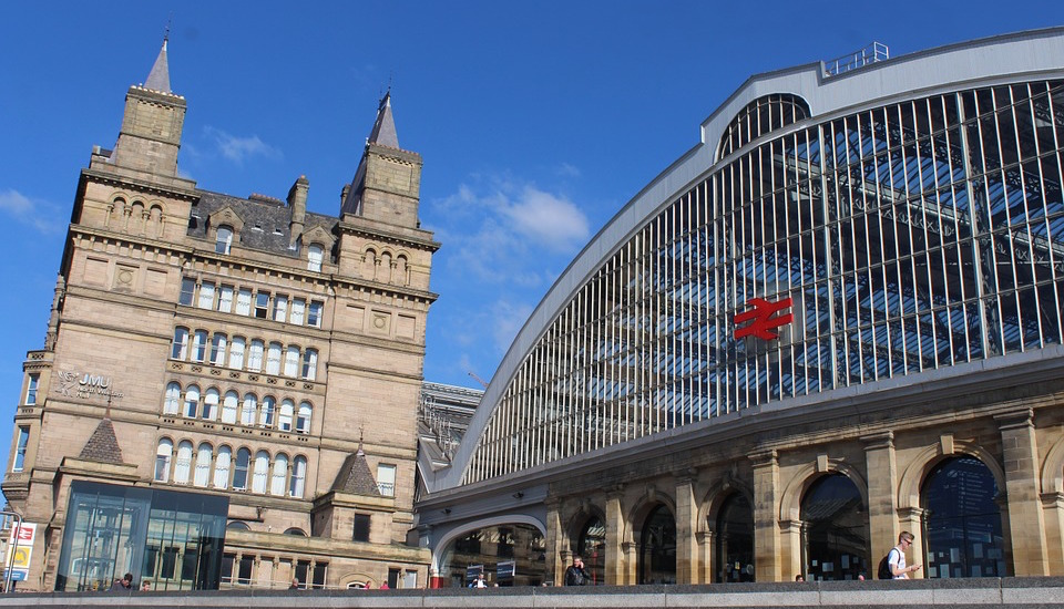 Liverpool city train station